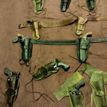 accessoires cuir  Rue de la Chute / Royal de Luxe